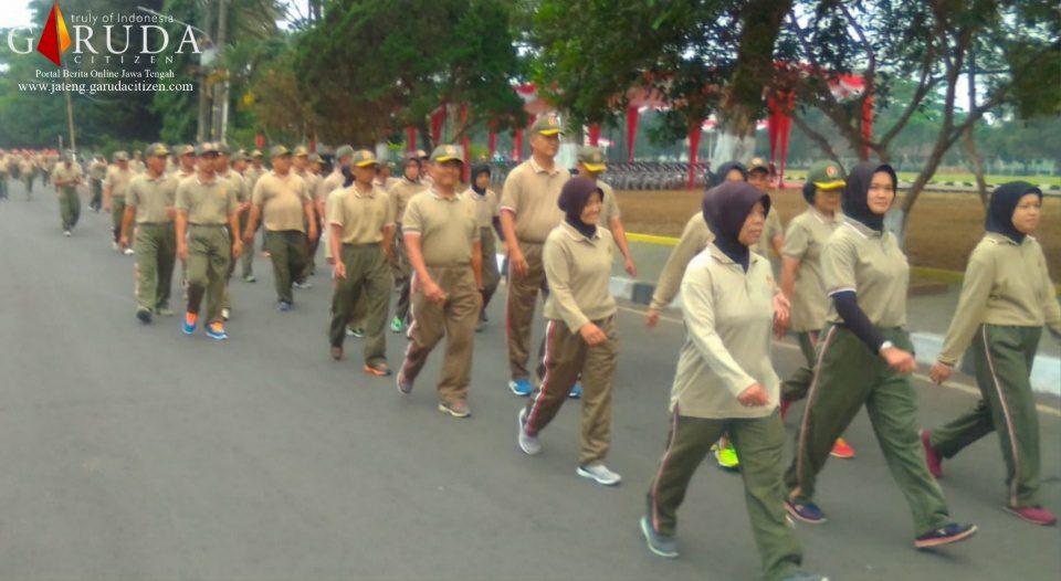 Prajurit dan PNS Garnizun Magelang Laksanakan Kegiatan Jalan Aerobik
