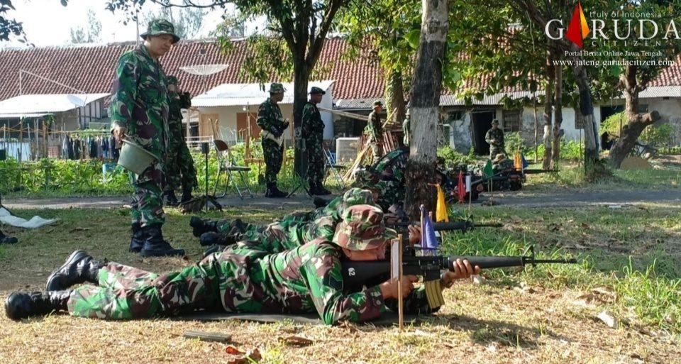 Ratusan Prajurit TNI Kodim Pekalongan Latihan Menembak