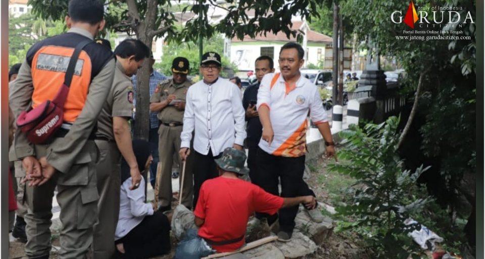 Walikota Malang Tertibkan Warga Penghuni Kolong Jembatan