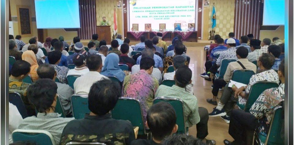 Pelatihan Peningkatan Kapasitas LKK, Sasar Ratusan RT dan RW