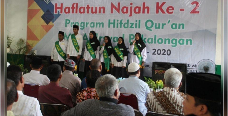 Kurangi Kenakalan Remaja, 35 Siswa Wisuda Tahfidz