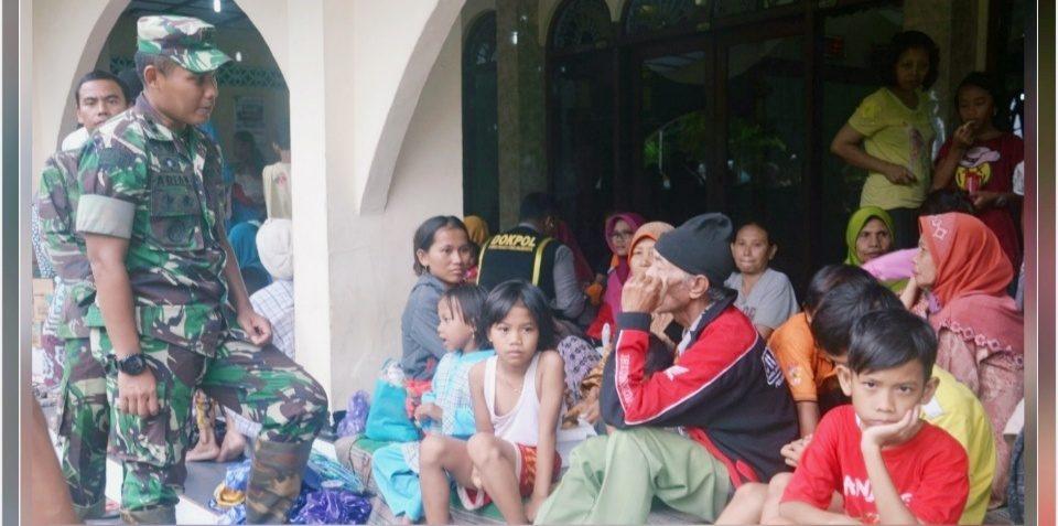 Dandim Pekalongan, Tinjau Wilayah Banjir dan Kunjungi Pengungsi