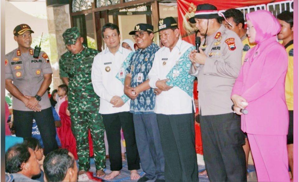 Polda Jateng Beri Bantuan untuk Korban Banjir Pekalongan